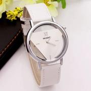 Đồng hồ nữ tam giác