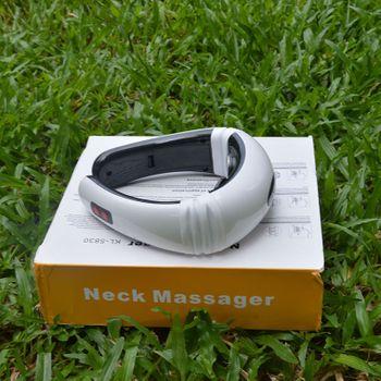 Máy massage cổ KL 5830  cho người bị đau vai cổ gáy thường xuyên