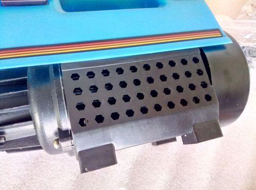 Máy phun xịt rửa xe cao áp mini Narita RI36 - 2000W