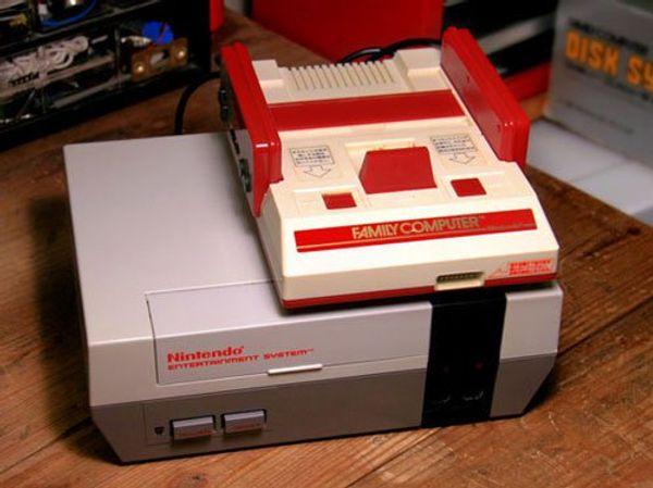 """Cùng """"mổ xẻ"""" máy trò chơi điện tử 4 nút Nintendo một thời làm mê mẩn các bạn trẻ Việt Nam."""