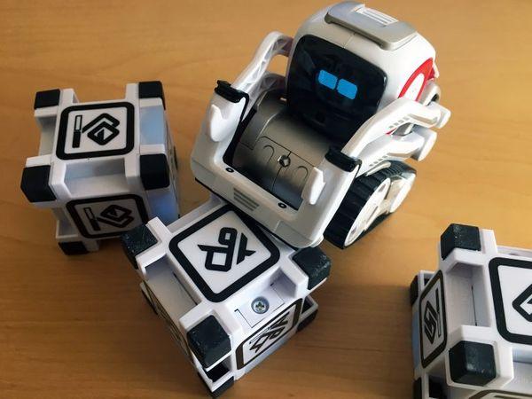 03-robotcozmo.jpg