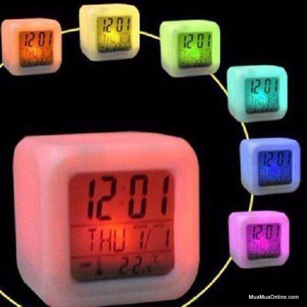 dong-ho-led-7-mau-color-glowing-1.jpg
