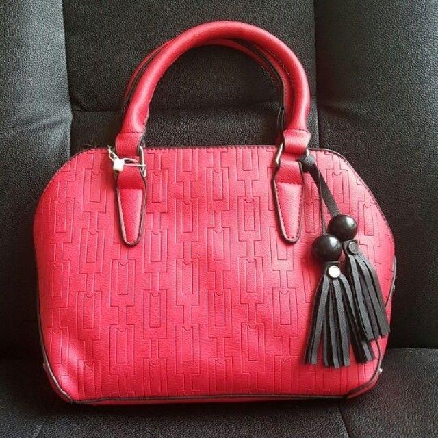 Túi xách thời trang hai hạt gỗ