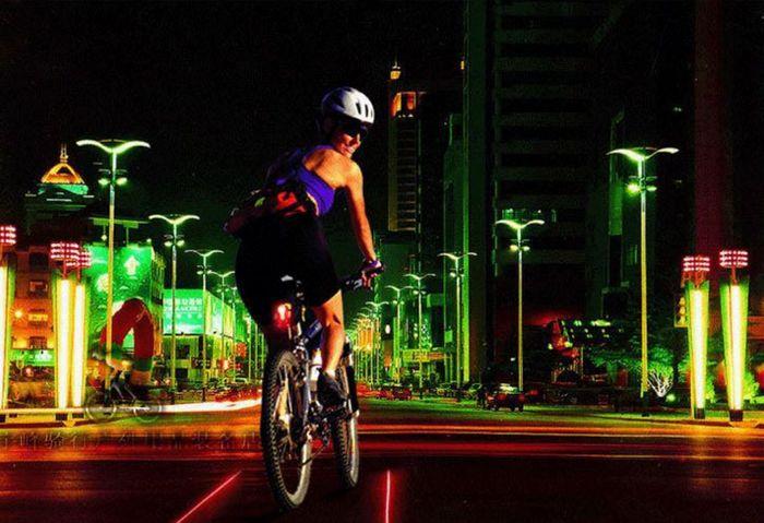 Đèn hậu xe đạp cảnh báo